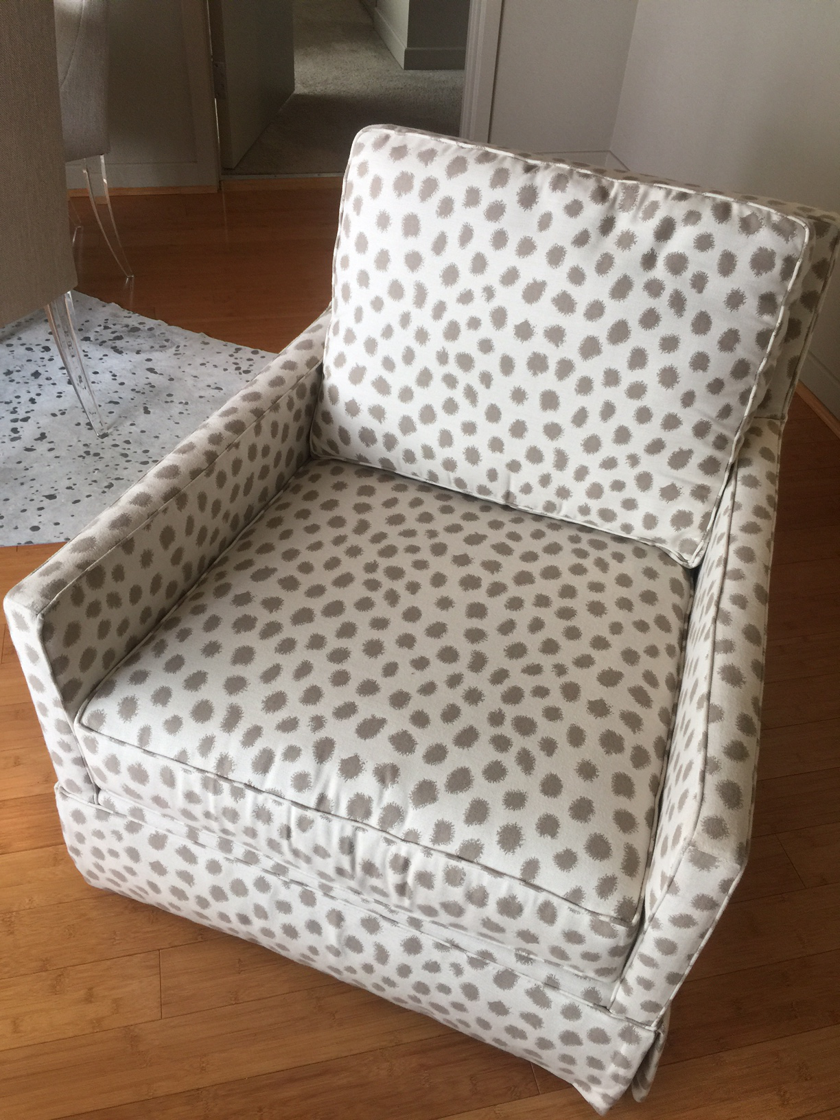 Merveilleux Miles Talbott Dotted Swivel Accent Chair   Image 2 Of 5
