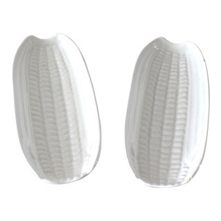 Mid 20th Century Vintage Americana White Stoneware Corn on the Cob Dishes - a Pair For Sale
