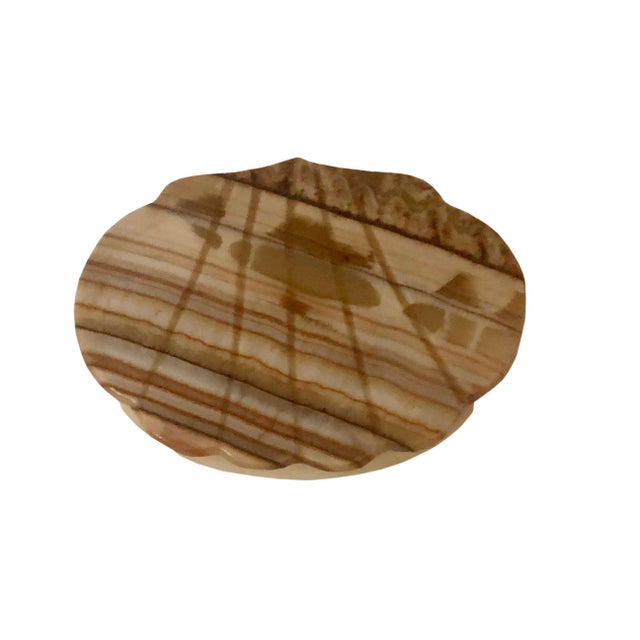 A 1940s high quality onyx shell shaped box with a hinged top from Italy.