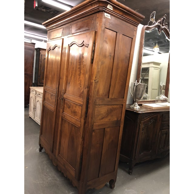 19th Century Louis XV Provincial Walnut Armoire For Sale In Atlanta - Image 6 of 9