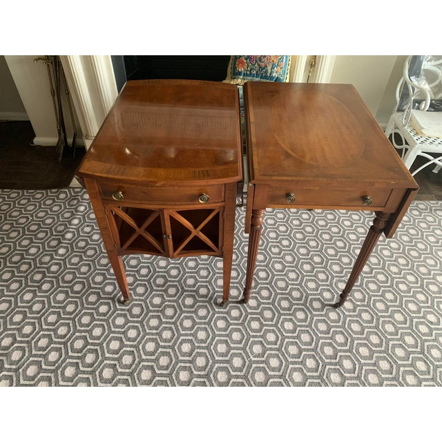 Federal Pair of Federal Style Drop Leaf Side Tables For Sale - Image 3 of 12