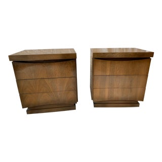 1970s American of Martinsville Mid-Century Modern Bedside Tables - a Pair For Sale