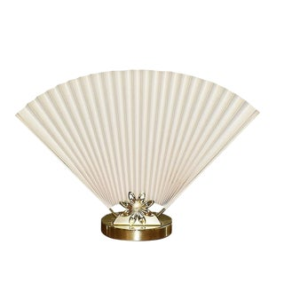 Mid 20th Century Hollywood Regency Accordion Fan Table Lamp in Cream and Gold For Sale