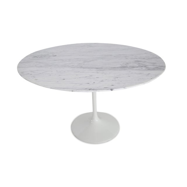 Tuilp Table in 70s Marble For Sale - Image 4 of 4
