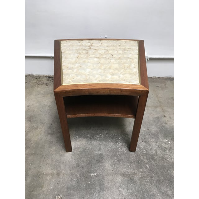Mid-Century Modern 1950s Mid Century Modern Capiz Shell & Brass Top Side Table For Sale - Image 3 of 10