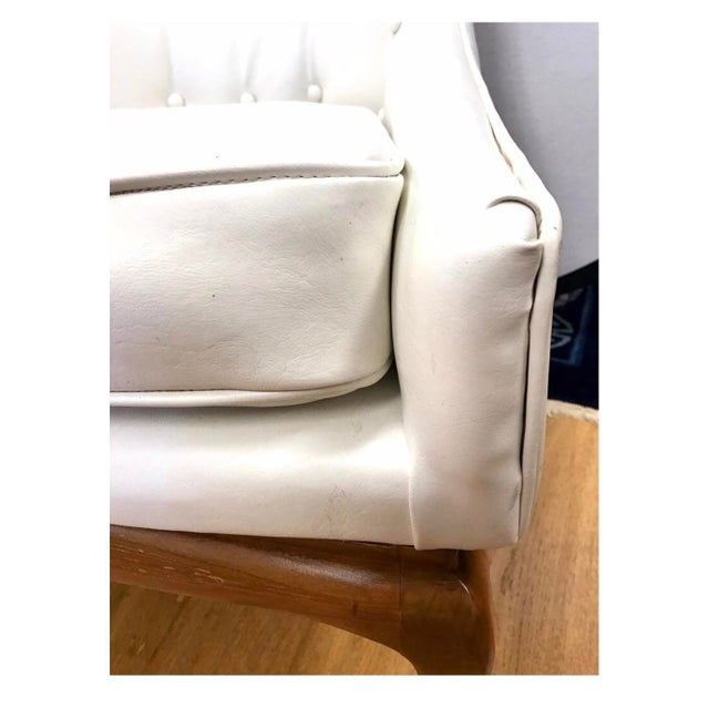 Mid Century Widdicomb Robsjohn-Gibbings Quilted White Tufted Tall Chairs - a Pair For Sale In New York - Image 6 of 11