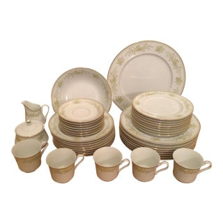 Mikasa Greenbriar Dining Set of 41 For Sale