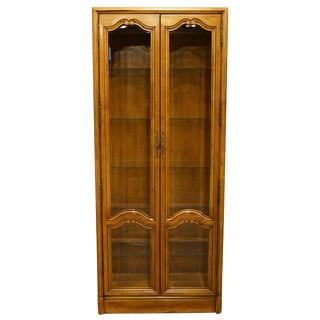 "20th Century Traditional 34"" Illuminated Display Curio Cabinet For Sale"