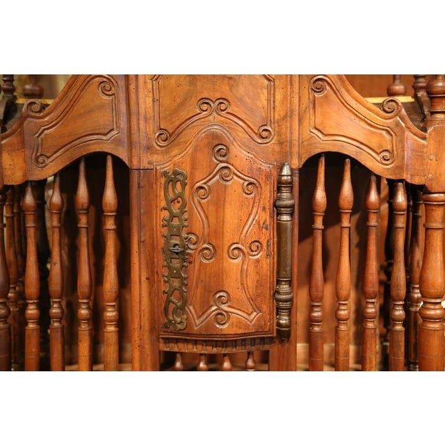 Early 19th Century Early 19th Century French Louis XV Carved Walnut Panetière For Sale - Image 5 of 9