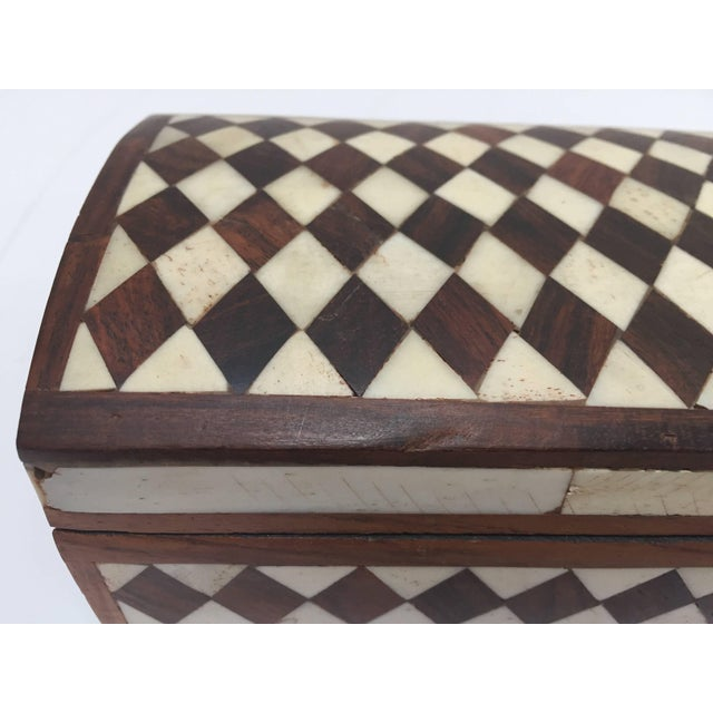 Vizagapatam Anglo-Indian Rectangular Box Inlaid With Bone and Sandalwood For Sale - Image 9 of 10