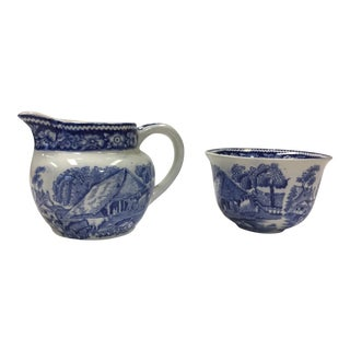1960s English Traditional Rural England Blue Creamer and Sugar Bowl Set - 2 Pieces For Sale