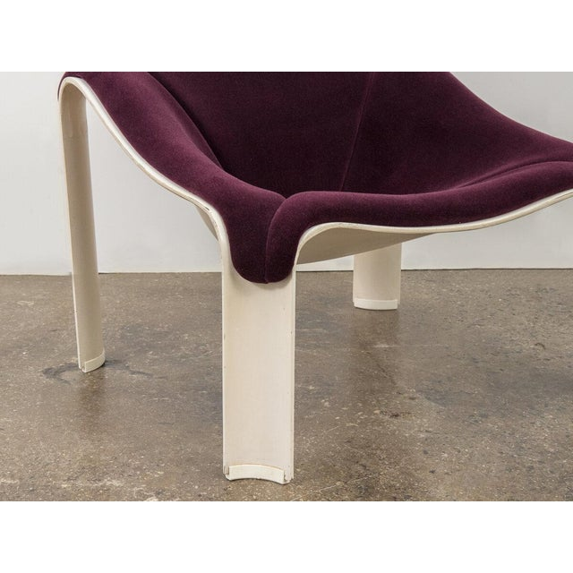 Pierre Paulin F300 Lounge Chair For Sale - Image 10 of 11