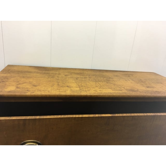 Wood 19th Century English Antique Chest of Drawers For Sale - Image 7 of 8
