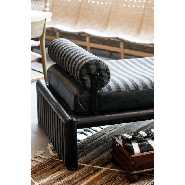 Fendi Daybed Chaise, Black Leather and Fendi Stripe, Italy, 1980s For Sale - Image 10 of 13