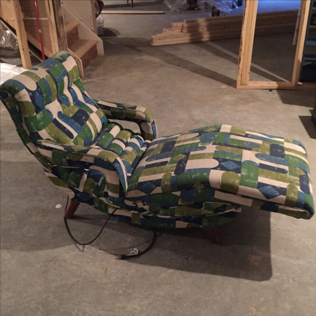 Vintage Mid-Century Automatic Recliner - Image 4 of 7