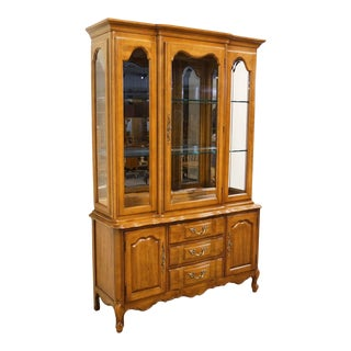 Thomasville Furniture Tableau Collection French Provincial China Cabinet For Sale