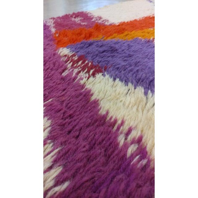 "Mid 20th Century Vintage Swedish Rya Carpet - 4'6"" x 6'5"" For Sale - Image 5 of 9"