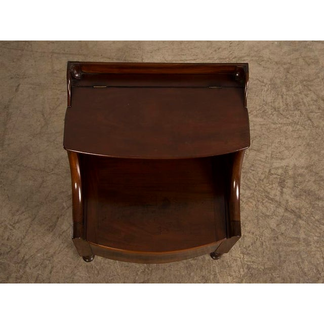 Brown William IV period mahogany side cupboard from England c. 1840 For Sale - Image 8 of 9