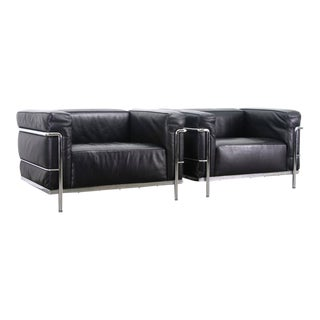 Le Corbusier LC3 Grand Confort Lounge Chairs - a Pair For Sale
