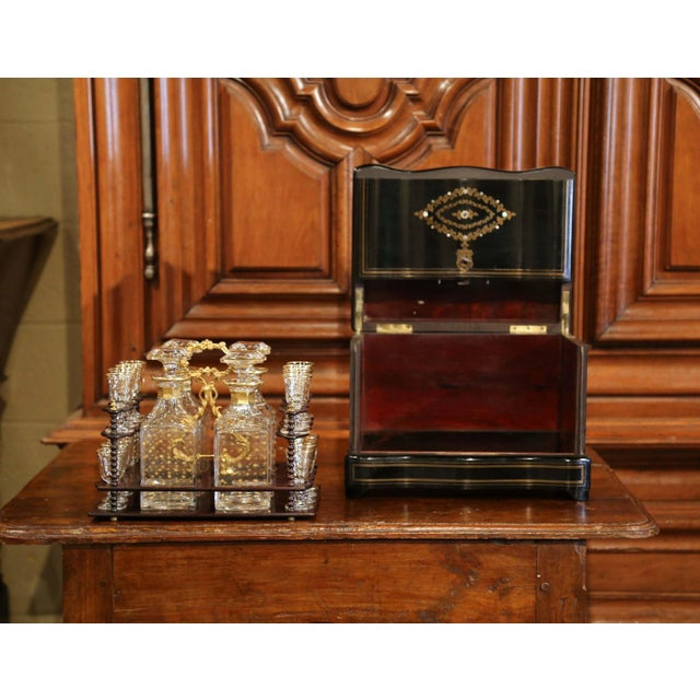 Gold 19th Century French Napoleon III Cave a Liqueur With Mother-Of-Pearl Decor For Sale - Image 8 of 13