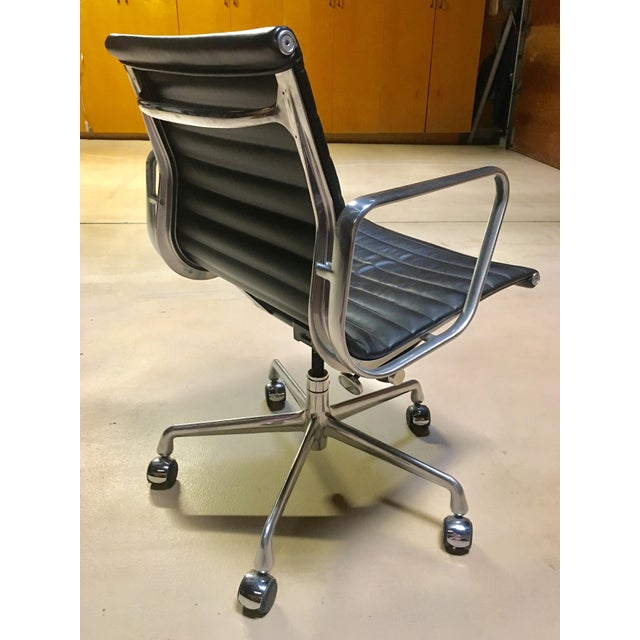 Eames Management Aluminum Chair For Sale - Image 9 of 11