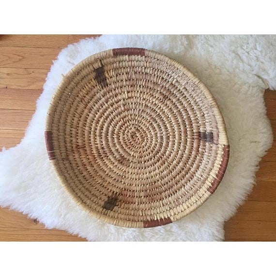 Vintage Native American Basket. Tribe : Tohono O'odham (Papago) Diameter : 17 1/2 inches height: 3 inches condition:...