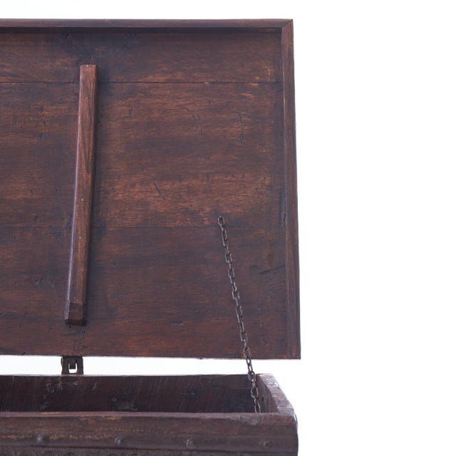 Anglo-Indian 19th Century Indian Dowry Chest For Sale - Image 3 of 5