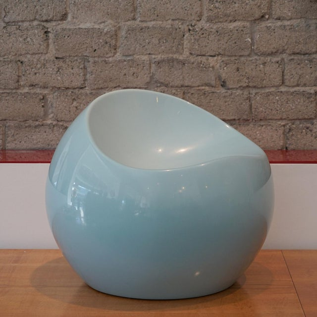 "Eero Aarnio gelcoat fiberglass ball sculpture or children's chair. The piece was made in the 1960s. Dimensions: H 20"" x D 24"""