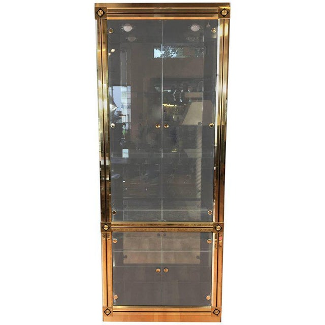 1970s Mid-Century Modern Mastercraft Towering Brass and Glass Vitrine For Sale - Image 11 of 11