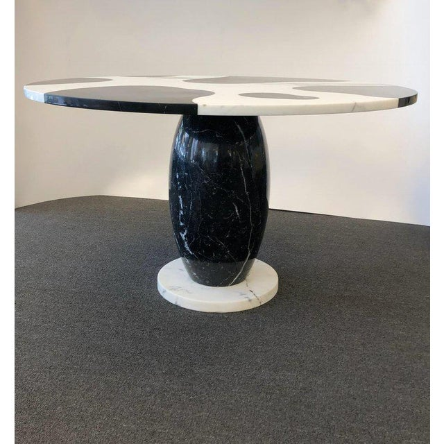 1980s Italian Carrara and Black Marble Dining Table For Sale - Image 4 of 8