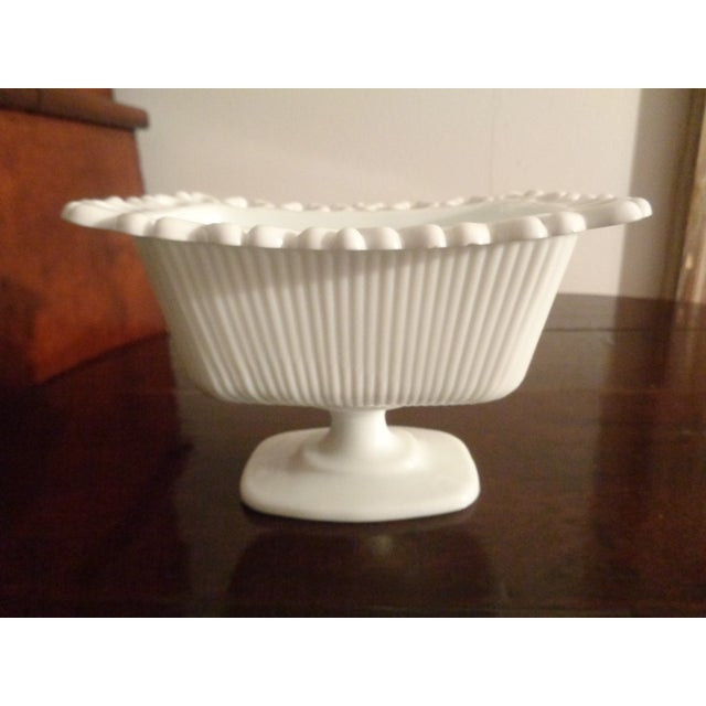 Mid-Century Modern 1960s Mid-Century Modern White Milk Glass Soap Dish For Sale - Image 3 of 6