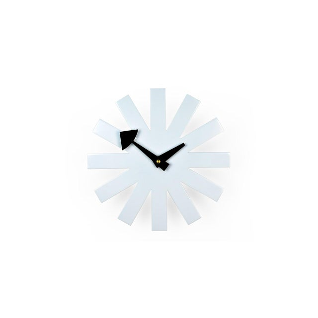 1990s Mid-Century Modernist White Asterisk Clock For Sale - Image 5 of 6