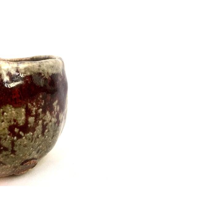 Small Handmade Pottery Vase - Image 4 of 6