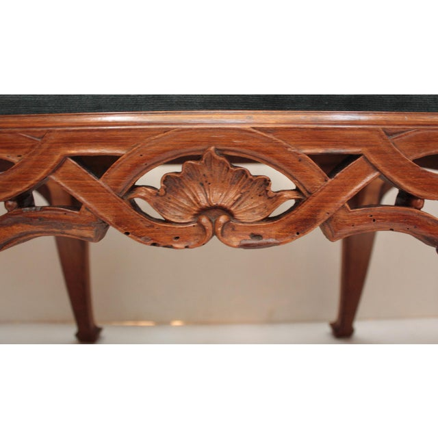 Walnut 18th century Continental Chair Back Settee in the George II Taste For Sale - Image 7 of 9