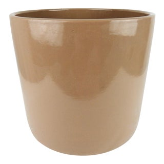 Tan Gainey-Style California Pottery Planter For Sale