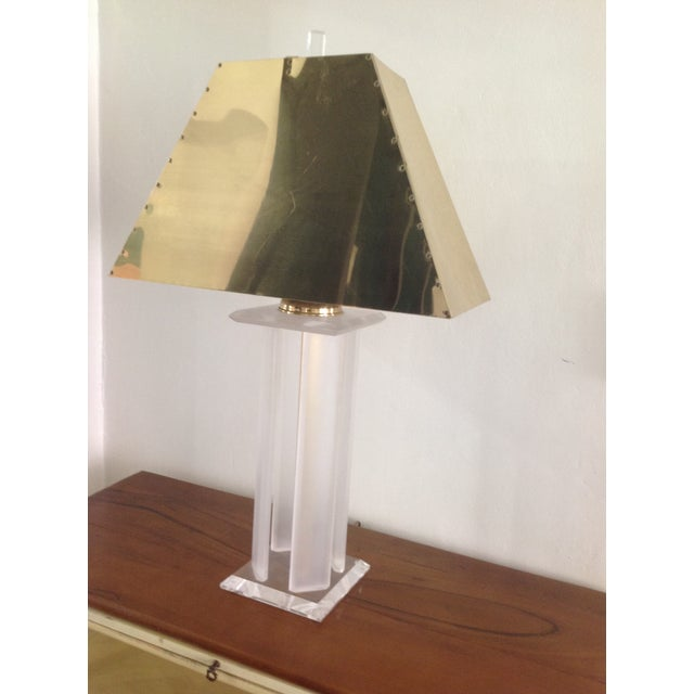 Hollywood Regency Vintage Lucite Lamp with Brass Shade For Sale - Image 3 of 5