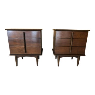 Mid Century Modern Sculpted Handle Nightstands - a Pair For Sale