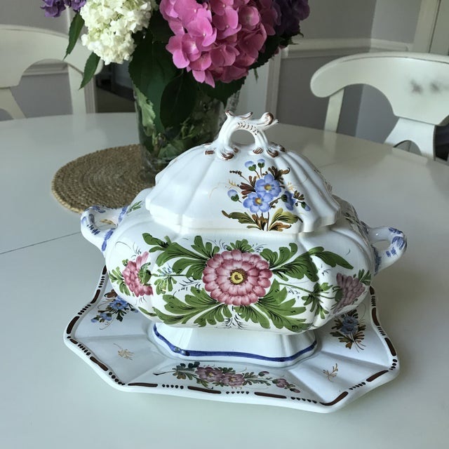 English Traditional Petite Floral Porcelain Soup Tureen & Tray For Sale - Image 3 of 13