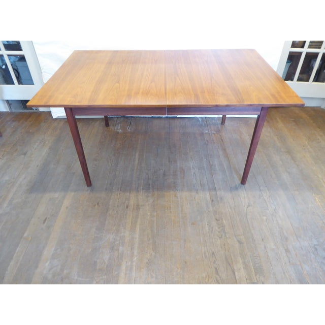 """Modern dining table with one 20.5"""" leaf, seats 6, or 8 with the leaf, ships flat."""
