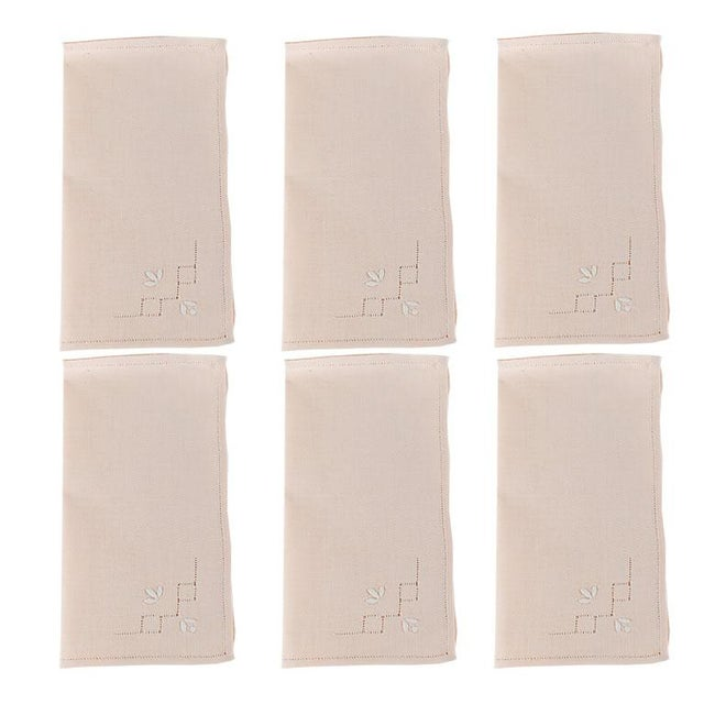 French Hem Stitched Ballet Pink Embroidered Cloth Napkins - Set of 4 For Sale In Oklahoma City - Image 6 of 6