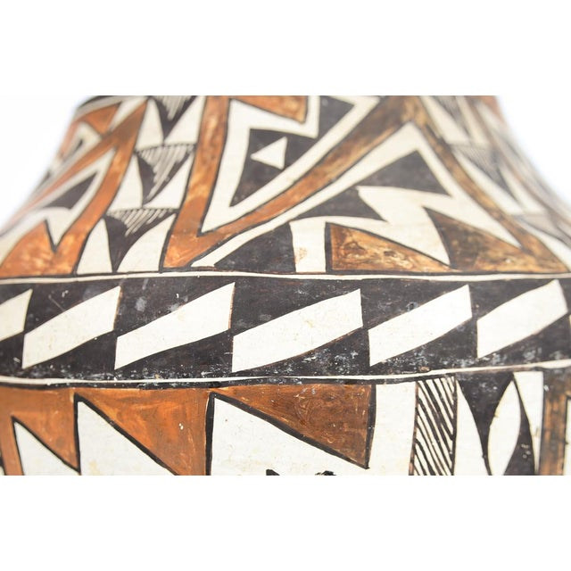 Antique Native American Polychrome Pottery Jar Acoma For Sale In Los Angeles - Image 6 of 9