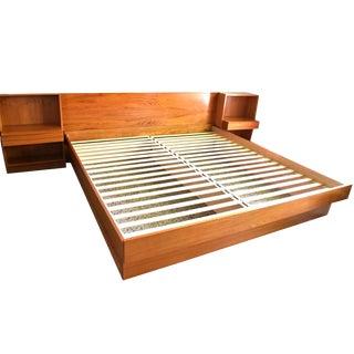 20th Century Danish Modern Queen Teak Platform Bed With Attached Nightstands For Sale