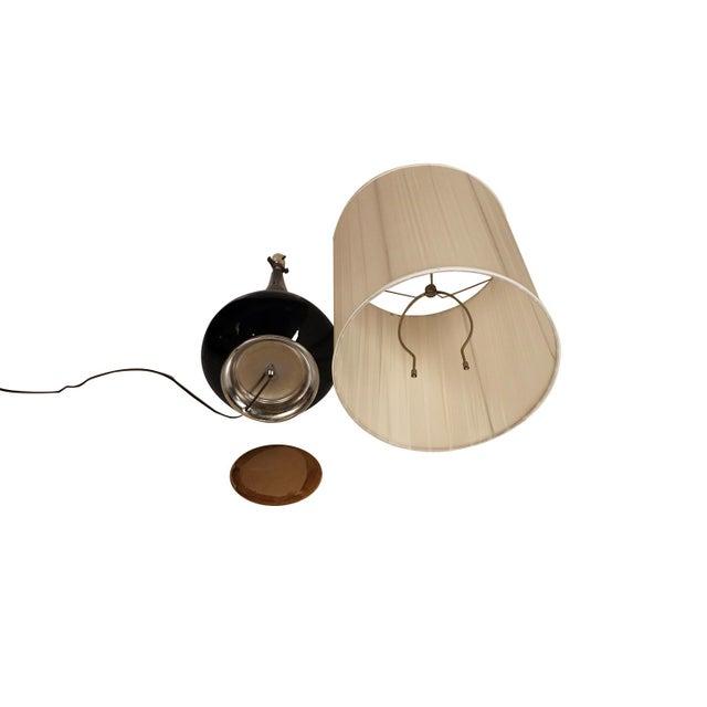 Metal Mid Century Hollywood Regency Black Ceramic Chrome Table Lamp For Sale - Image 7 of 10