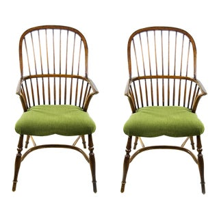 19th C. Stickback Hoop Windsor Chairs - a Pair For Sale