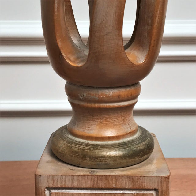 Mid Century Classicism Wood & Gilt Table Lamp For Sale - Image 9 of 13