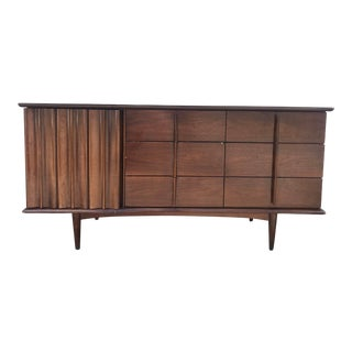 Mid Century United Furniture Company Walnut Lowboy 9 Drawer Dresser For Sale