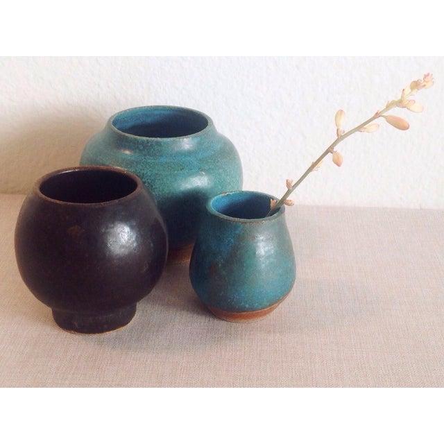 Boho Chic Modern Black Sphere Stoneware Vase/Planter For Sale In Los Angeles - Image 6 of 8