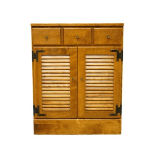20th Century Early American Ethan Allen Heirloom Nutmeg Maple Shutter Door Cabinet For Sale