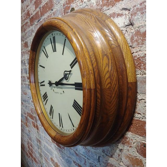 "Americana 1900s Seth Thomas 30 Days 24"" Oak Gallery Clock For Sale - Image 3 of 10"