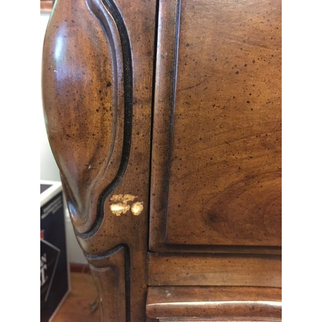 1970s French Provincial White Furniture Company Cherrywood Dresser with Mirror For Sale In Greenville, SC - Image 6 of 8